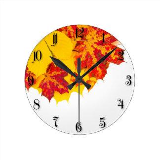 Autumn leaves pattern round clock