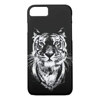 Awesome tiger cat portrait. Wildlife iPhone 8/7 Case