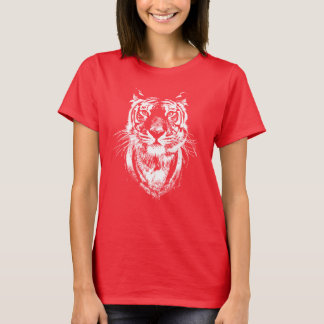Awesome tiger cat portrait. Wildlife T-Shirt