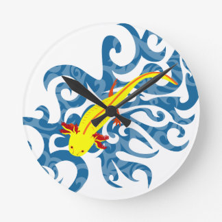 Axolotl yellow in the Wassser Round Clock