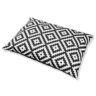 Aztec Symbol Block Big Ptn Black & White II Pet Bed