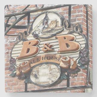 B&B Alehouse, Savannah Coasters