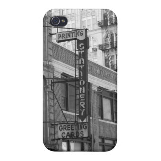 B&W Buildings Case For iPhone 4