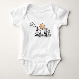 Baby rompertje with baby between knuffels baby bodysuit