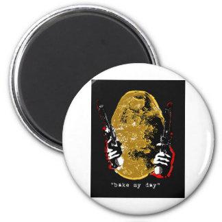 bake my day-dark 6 cm round magnet