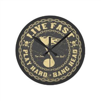 Bang Head Round Clock