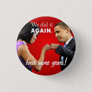 Barack and Michelle Obama victory fist bump 3 Cm Round Badge