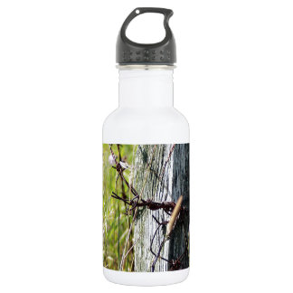 Barbed wire fence post 532 ml water bottle