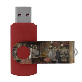 Barber - L.C. Wiseman Barbershop, NY 1895 Swivel USB 2.0 Flash Drive