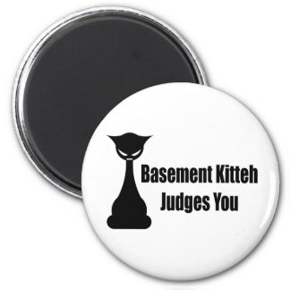 Basement Kitteh Judges You 6 Cm Round Magnet