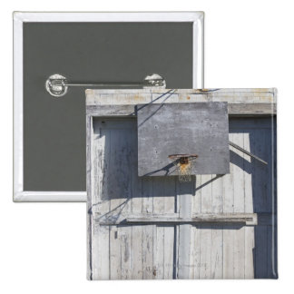 Basketball net on rustic building 15 cm square badge
