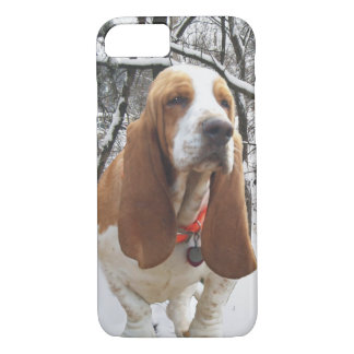 Basset Hound In the Snow iPhone 7 Case