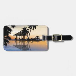 Beach holiday luggage tag