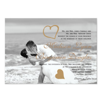 Beach wedding kiss/Wedding Invitation
