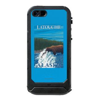 Bear Fishing in River - Latouche, Alaska Incipio ATLAS ID™ iPhone 5 Case