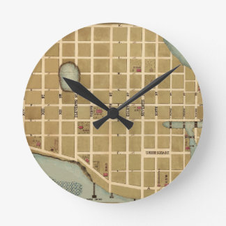 Beaufort 1860 round clock