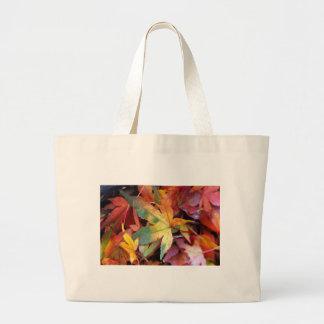 Beautiful autumn leaves print tote bag