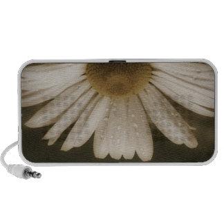 Beautiful Daisy Flower Travelling Speaker