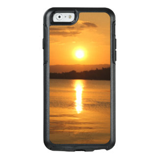 Beautiful Golden Sunset Over Water OtterBox iPhone 6/6s Case