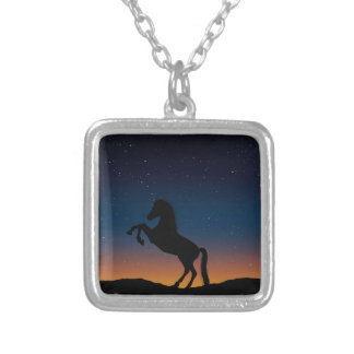 BEAUTIFUL HORSE STALLION SILVER PLATED NECKLACE