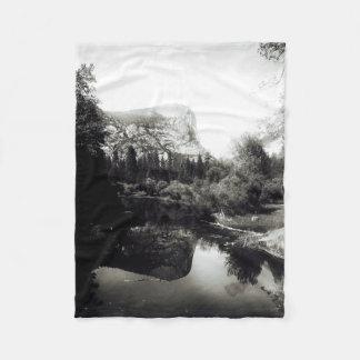 Beautiful Mirror Lake Yosemite | Black and White Fleece Blanket