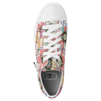 Beautiful pattern with daisy flowers in pink color printed shoes