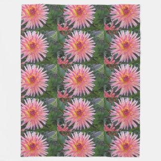 Beautiful Pink Dahlia Flower Fleece Blanket