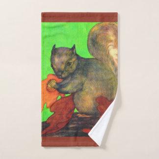 beautiful squirrel print bath towel set