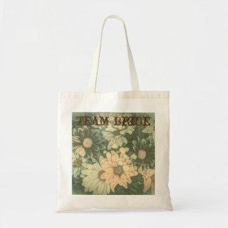 Beautiful vintage floral design budget tote bag