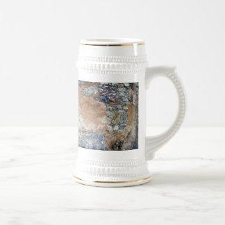 beautiful wall 3 coffee mugs
