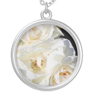 Beautiful white rose bouquet round pendant necklace