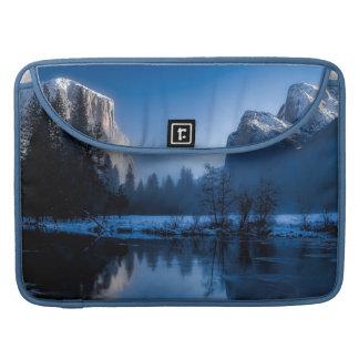 Beautiful yosemite national park landscape sleeve for MacBooks