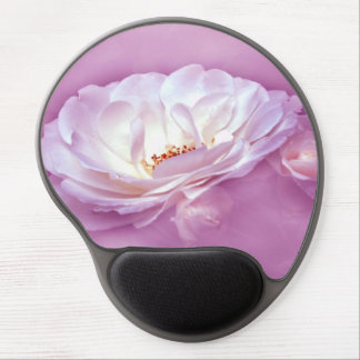 BEAUTY IN THE MIST - WHITE ROSES GEL MOUSE PAD