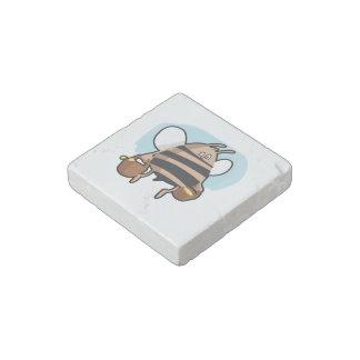 Bee cartoon stone magnet