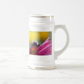 bee head coffee mug