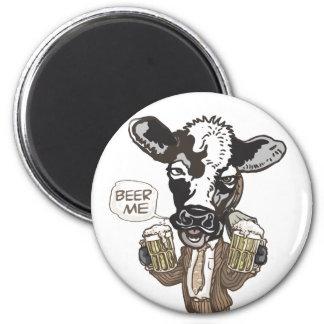 Beer Me Moo Cow by Mudge Studios 6 Cm Round Magnet