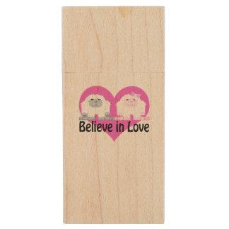 Believe in Love! Cute Yetis Wood USB 2.0 Flash Drive