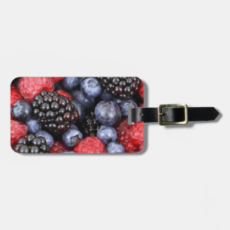berries background luggage tag