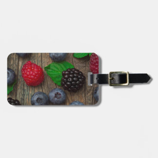 berry fruit background luggage tag