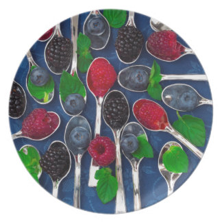 berry fruit background plate