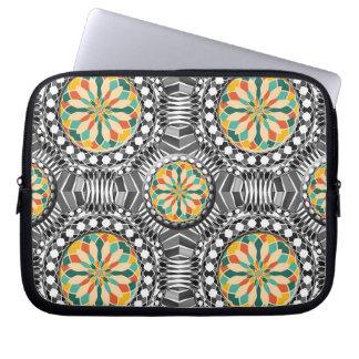Beveled geometric pattern laptop sleeve