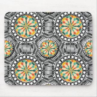 Beveled geometric pattern mouse pad