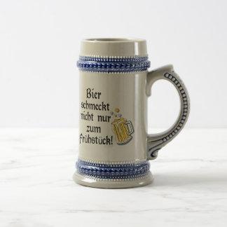 Bier schmeckt nicht nur zum Frühstück! Coffee Mugs