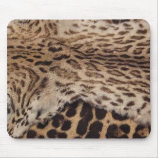 Big cat furr hides mouse pad