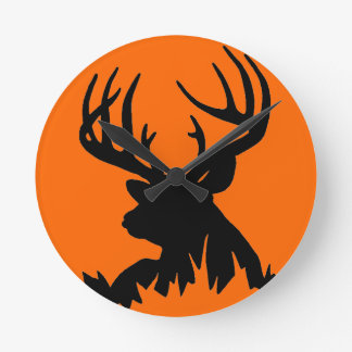 BIG WHITETAIL BUCK WALL CLOCK