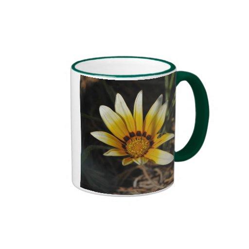 Big yellow daisy coffee mug