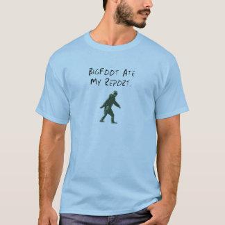 Bigfoot Ate My Report. T-Shirt