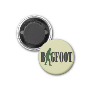 Bigfoot text & green squatch graphic 3 cm round magnet