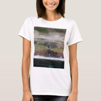 bird on a wall T-Shirt