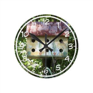 Birdhouse Round Clock